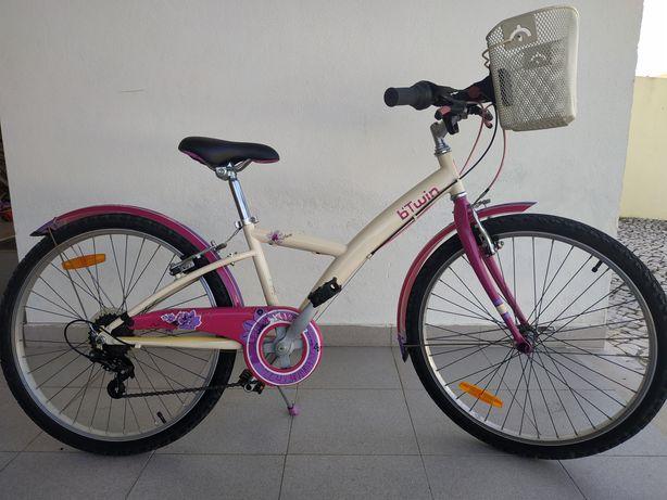 Bicicleta de menina roda 24 como nova
