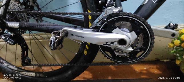 Bicicleta CUBE ACID 27,5