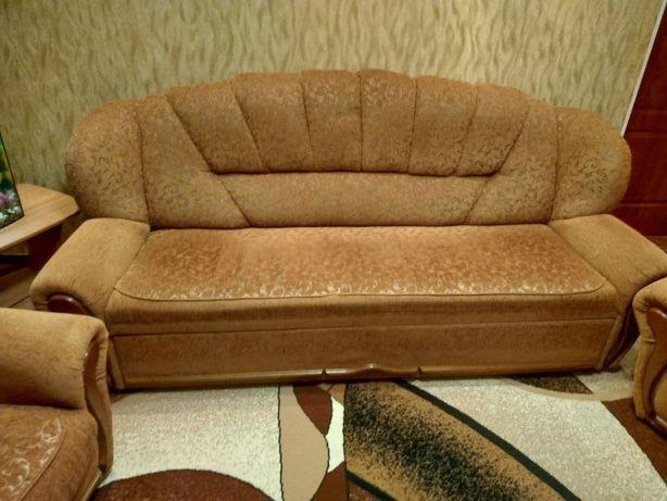 Продаётся диван Венеция и 2 кресла