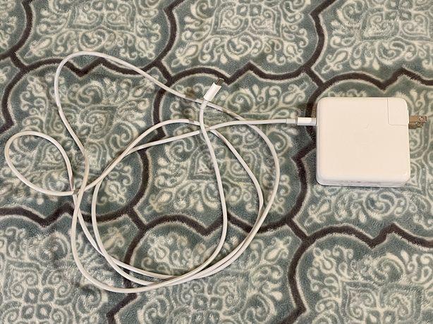 Продам USB-C Power Adapter 87W (б/у). Привезён из Штатов. Оригинал