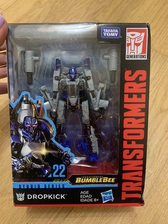Transformers Studio Series 22 Deluxe Class Bumblebee Dropkick