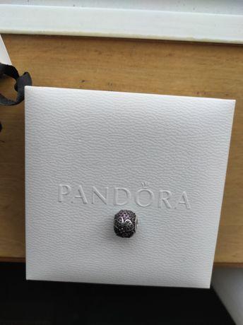 Conta Pandora trevo 4 folhas