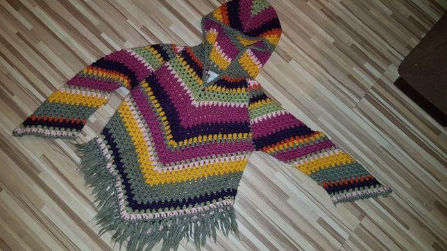 Poncho sweterek 9-10 lat