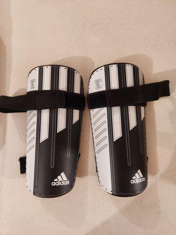 Adidas Meets Nocsae ochraniacze rozm. L