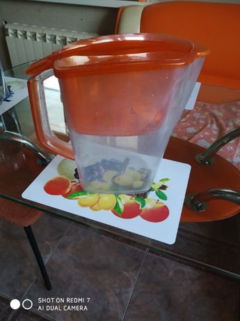 Продам фильтр-кувшин для воды Барьер. 3,5 литра.