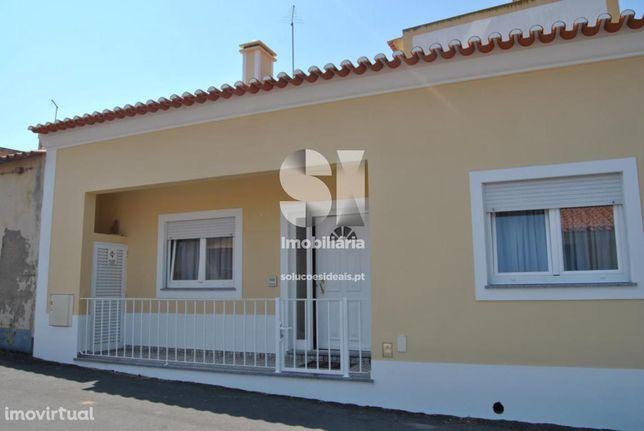 Moradia Isolada T1 +3 com garagem