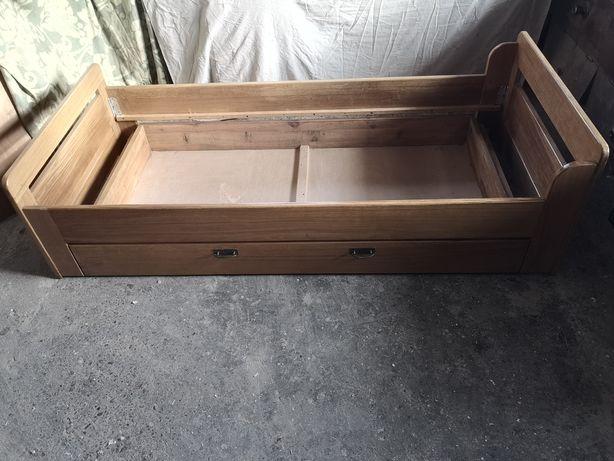 Łuszko dębowe z szufladą