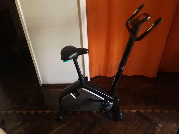 Bicicleta estática Domyos Essential Plus 06