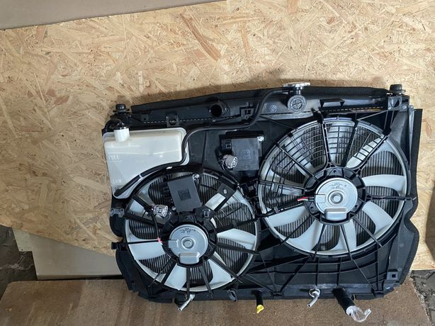 Lexus RX450H.Кассета радиаторов