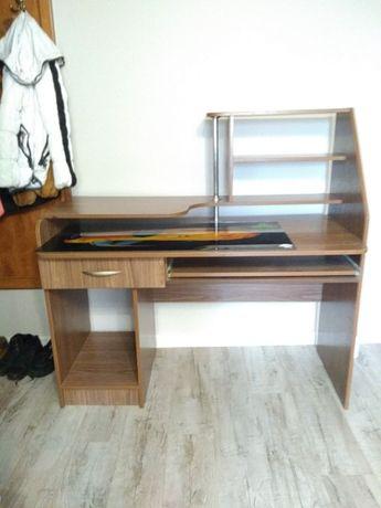 Компьютерный стол 3000р