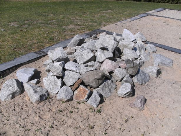 Kamienie-granit