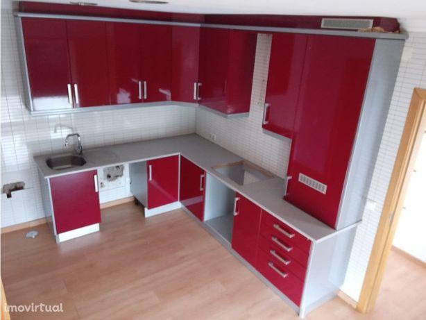 Apartamento T2, no Rosário, Almodôvar