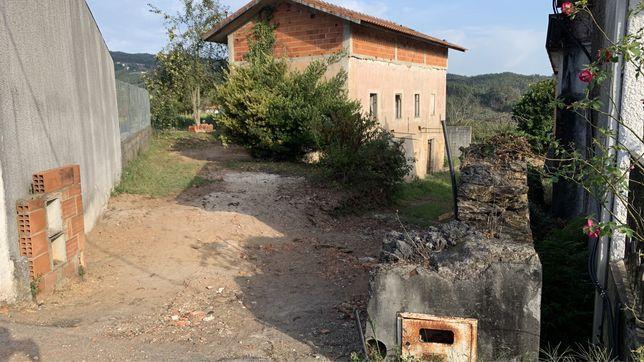Vendo Terreno com casa antiga