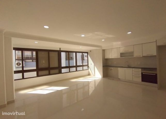Apartamento T2 na Marisol, totalmente remodelado. Ref. 5757
