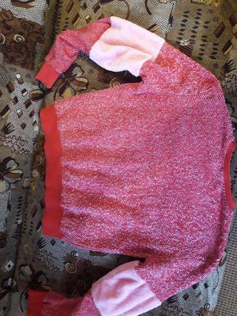 Продам рожеву кофту, в чудовому стані.