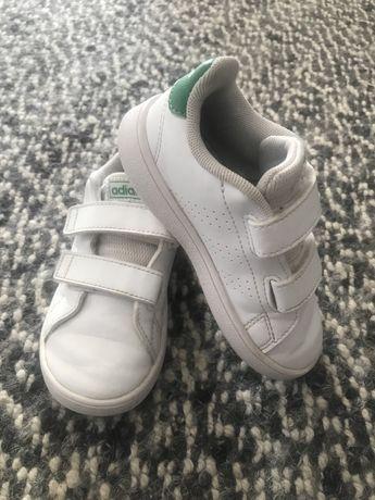 Ténis Adidas nr. 25