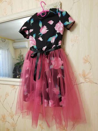 Платье нарядное  рост 128- 134-140