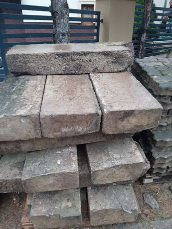 Krawężnik betonowy drogowy 15x30x100