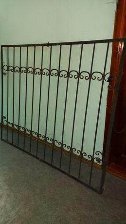Металическая решетка на окна