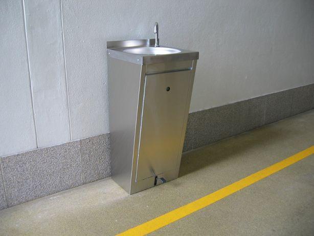 Pio lava mãos inox com pedal misturadora água quente e fria