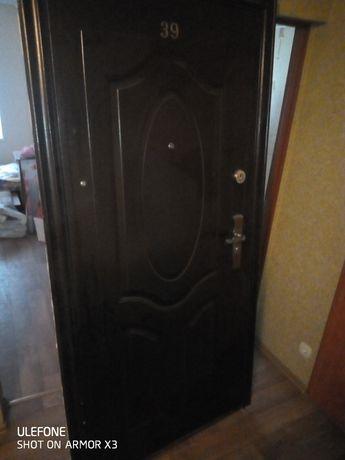 Продам входную дверь б/у