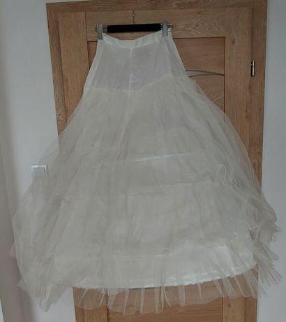 Koło z tiulem do sukni ślubnej
