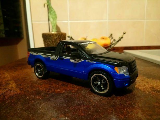 1/24автомодели,коллекции.Maisto.Motormax,Welly.Ford F-150STX 2010 Tuni