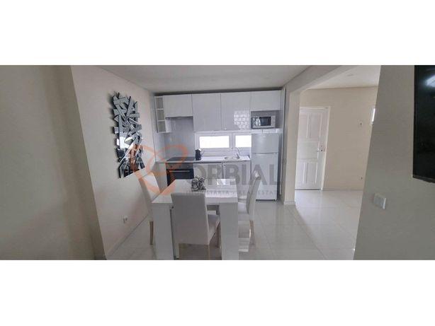 Apartamento T1+1 para venda no Centro de Albufeira totalm...
