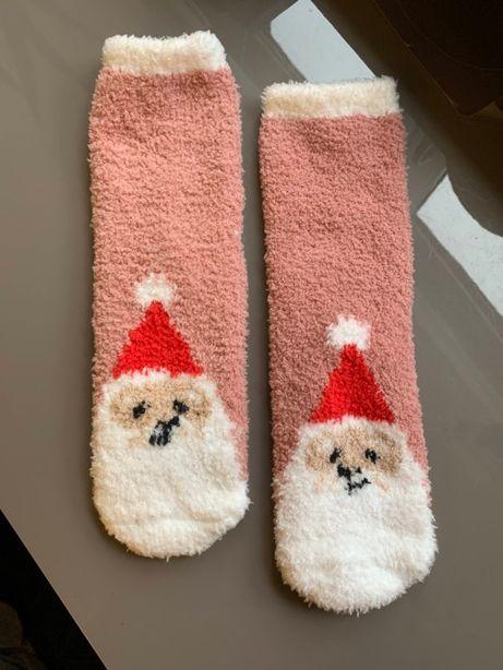 Skarpetki różowe zimowe, z Mikołajem