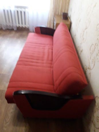 срочно продам диван,