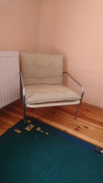 Fotel jasnozielony z poduszką