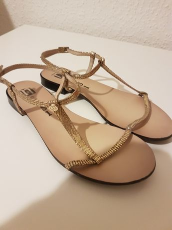 Sandałki Neesi