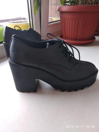 Туфли на платформе и каблуке