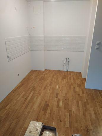 Podłoga drewniana, trójwarstwowa