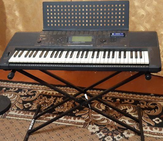 Yamaha PSR 520