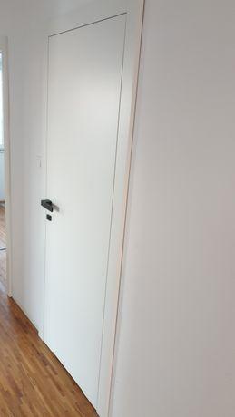 Drzwi wewnętrzne Klea białe pełna 80tki