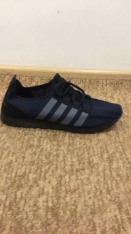 Продам новые кроссовки 40 размер