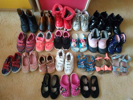 Обувь для девочки зима-весна-лето-осень. Читайте описание.