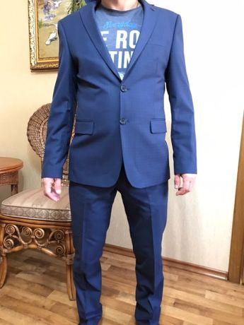 Продам костюм Giotelli