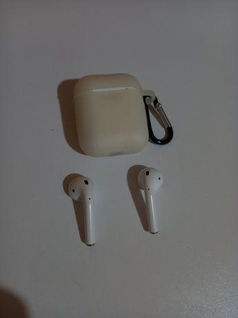 Продам наушники airpods