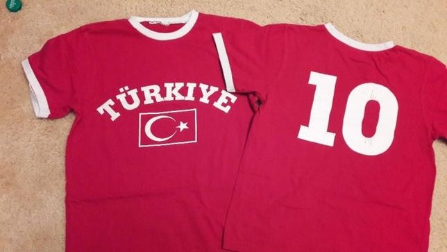 2 koszulki T-shirt dla chłopca rozmiar 128/134