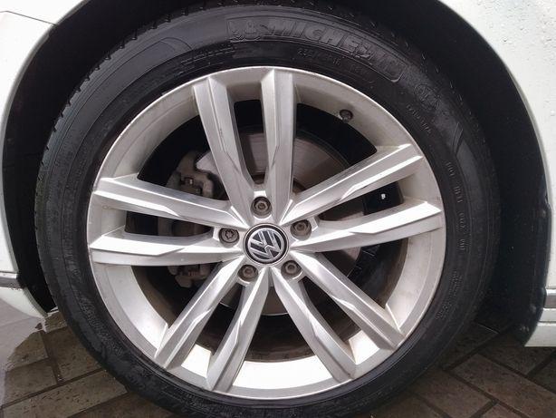 Продам  оригінальні диски VW  B8
