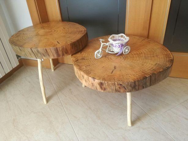 Mesa de centro em feita de rodelas de pinho velho