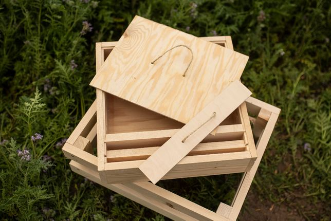 Podkarmiaczka wielkopolska bezpowałkowa drewniana- ule wielkopolskie