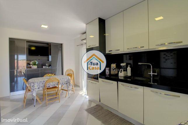 Apartamento em Andar Moradia T3 + 1 Renovado em Silves