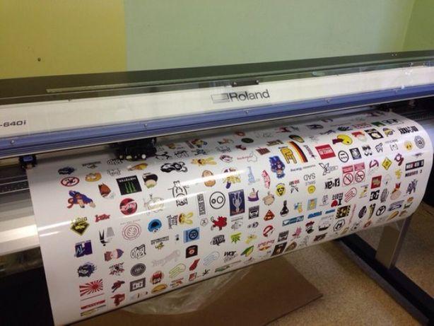 Печать наклеек на бумаге Raflatak и пленке Oracal