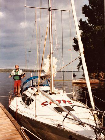 Jacht żaglowy/ motorowy/ morski/ 6 osób 1998r