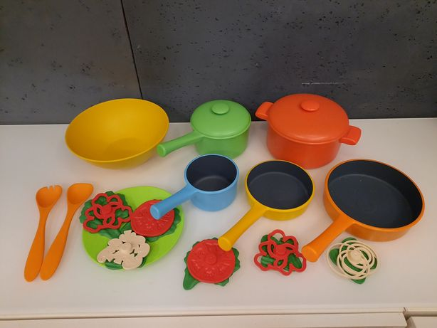 Zestaw garnków + warzywa  akcesoria kuchenne