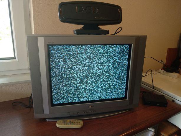 Telewizor LG kineskopowy, ekran 21 cali, super slim