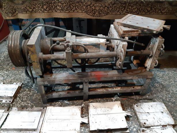 Maszyna odlewnicza hydrauliczna + formy